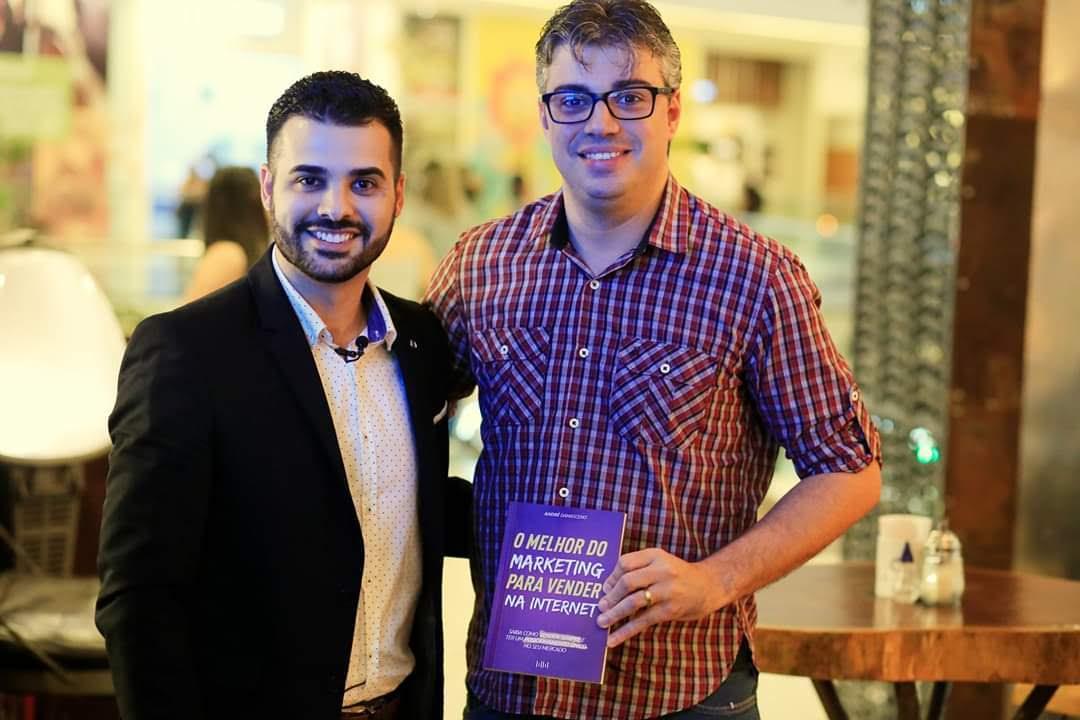 """Lançamento do livro """"O melhor do marketing para vender na internet"""", em Vila Velha/ES."""